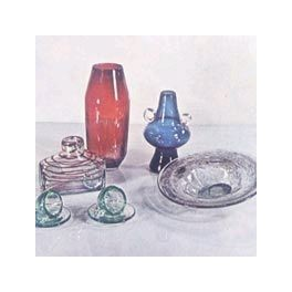 Vases, trays, candlesticks and traditional