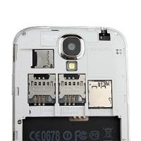 Telefon Lenovo P780 cu 3 SIM card