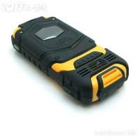 Telefon rezistent la apa si la socuri LV599